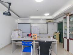 怡泰大厦 3室1厅1厨1卫98.75m²普通装修二手房效果图