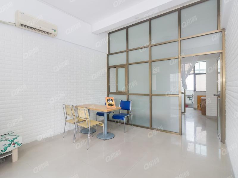 恒丰公寓 经典小户型,装修漂亮,格局方正,楼层舒服,釆光明亮