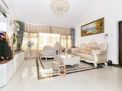 金碧苑 4室2厅1厨3卫 135.62m² 精致装修