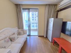 世茂广场 1室1厅1厨1卫 68.0m² 精致装修二手房效果图